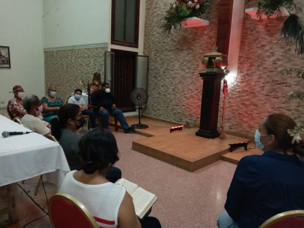 Grupo de Oración María Reina de la Paz (12)