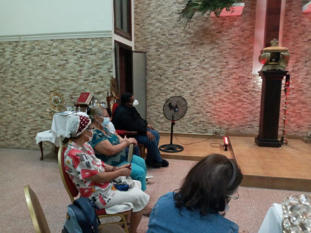 Grupo de Oración María Reina de la Paz (3)