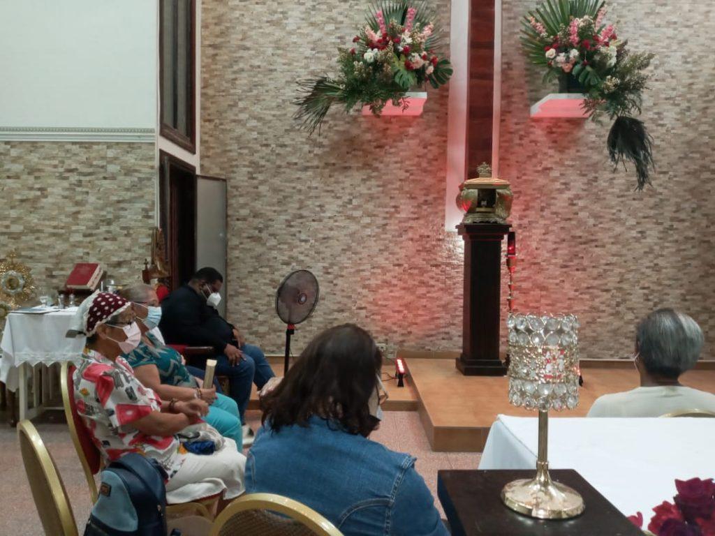 Grupo de Oración María Reina de la Paz (9)