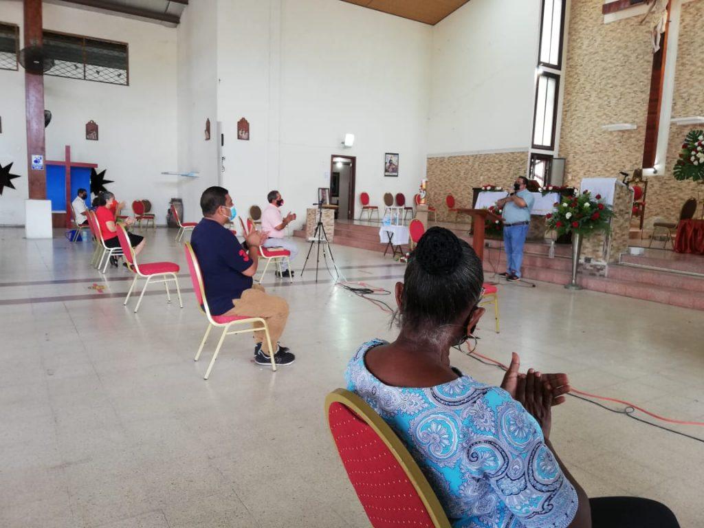 Seminario de Iniciación de Vida en el Espíritu, Parroquia María Reina de La Paz. (10)