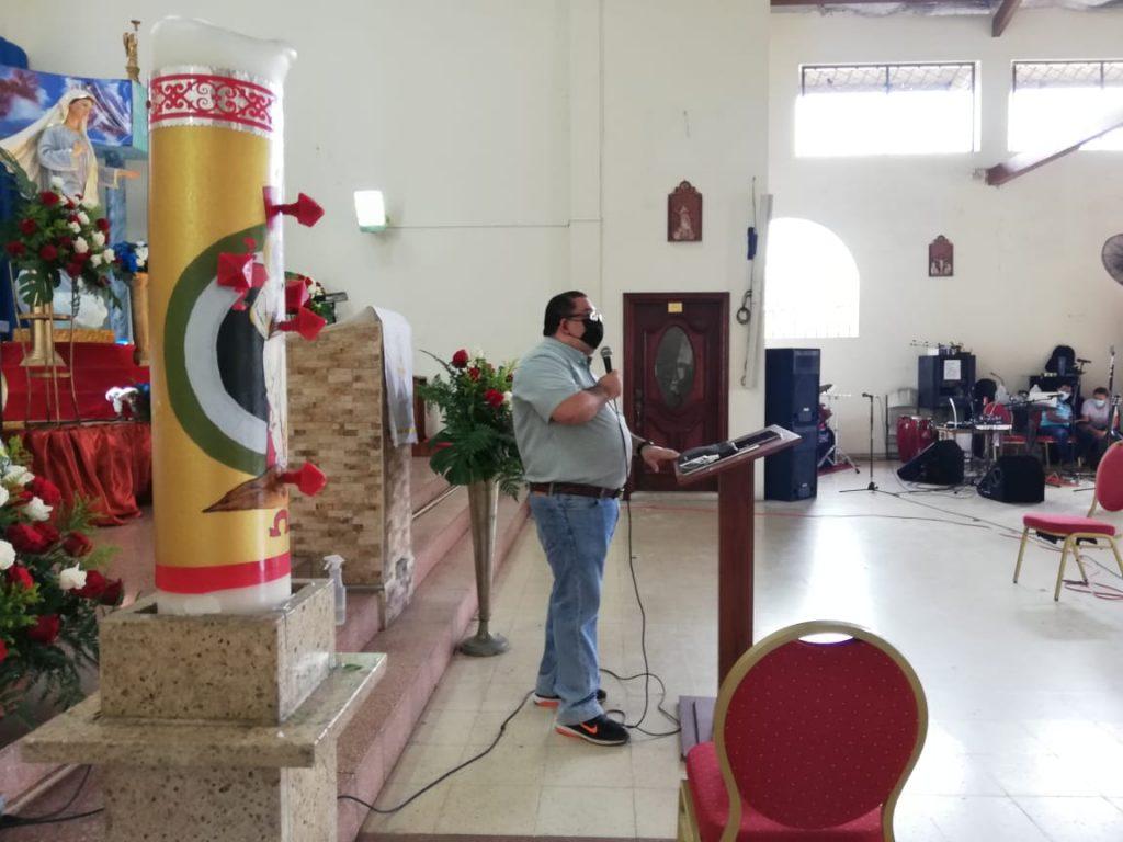 Seminario de Iniciación de Vida en el Espíritu, Parroquia María Reina de La Paz. (4)